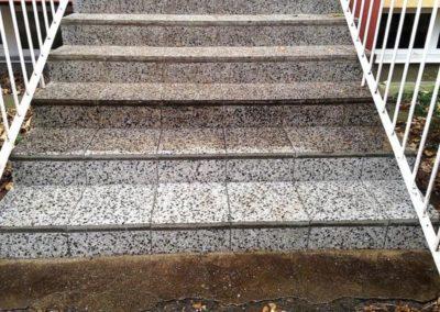 Čištění kamenných schodů 04