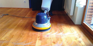 Renovation and cleaning of wooden floors