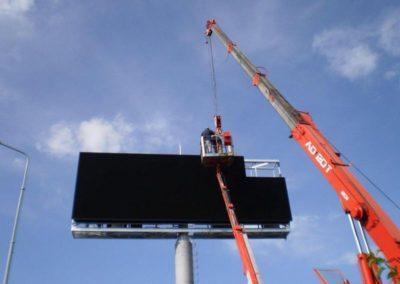 Výškové práce a instalace reklamy 02